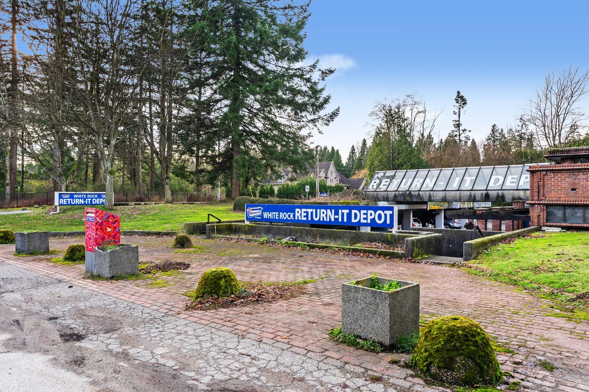 Main Photo: 3221 140 Street in Surrey: Elgin Chantrell Business for sale (South Surrey White Rock)  : MLS®# C8035924