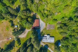 """Photo 2: 49199 CHILLIWACK LAKE Road in Chilliwack: Chilliwack River Valley House for sale in """"Chilliwack River Valley"""" (Sardis) : MLS®# R2597869"""