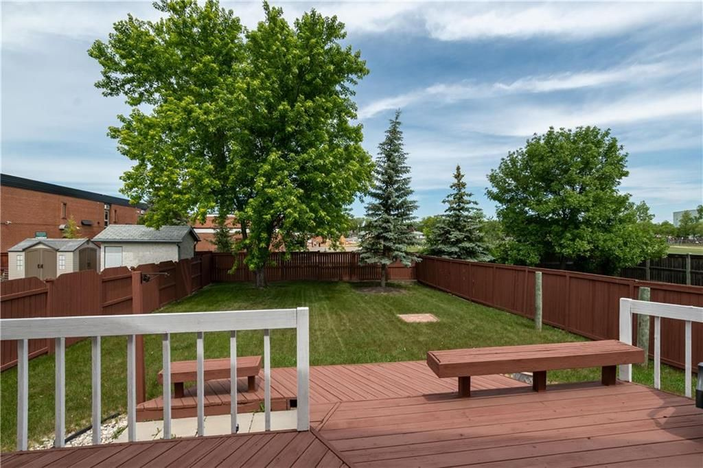 Photo 25: Photos: 1115 Waterford Avenue in Winnipeg: West Fort Garry Residential for sale (1Jw)  : MLS®# 202116113