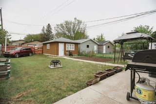 Photo 4: 331 X Avenue South in Saskatoon: Meadowgreen Residential for sale : MLS®# SK859564
