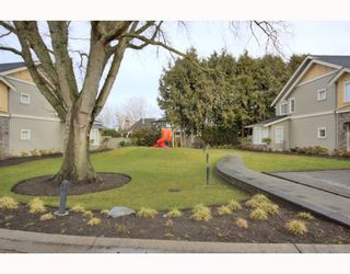 "Photo 10: 4 7171 STEVESTON Highway in Richmond: Broadmoor Townhouse for sale in ""CASSIS"" : MLS®# V754791"