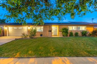Photo 2: SANTEE House for sale : 3 bedrooms : 9350 Burning Tree Way
