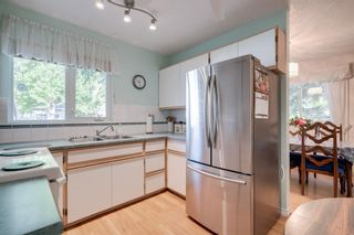 Photo 10: 5407 LADBROOKE Drive SW in Calgary: Lakeview Detached for sale : MLS®# A1009726