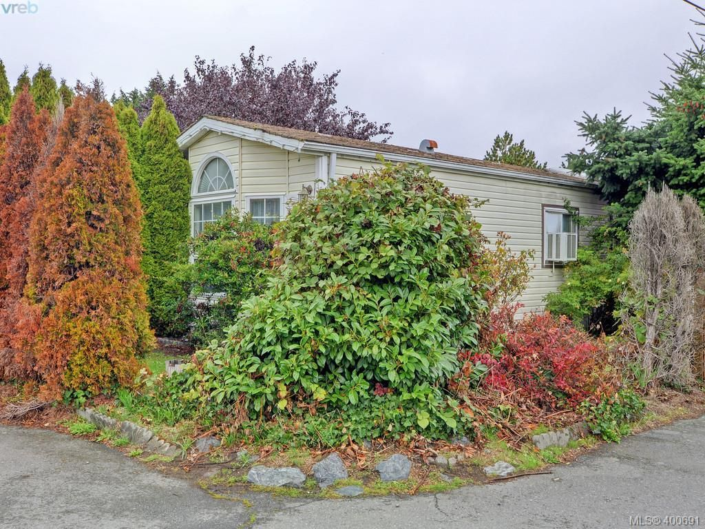 Main Photo: 21 1581 Middle Rd in VICTORIA: VR Glentana Manufactured Home for sale (View Royal)  : MLS®# 799550