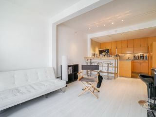 "Photo 8: 410 1655 NELSON Street in Vancouver: West End VW Condo for sale in ""Hampstead Manor"" (Vancouver West)  : MLS®# R2513219"