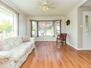 Photo 11: 2001 VALLEY VIEW DRIVE in COURTENAY: CV Courtenay East House for sale (Comox Valley)  : MLS®# 770574