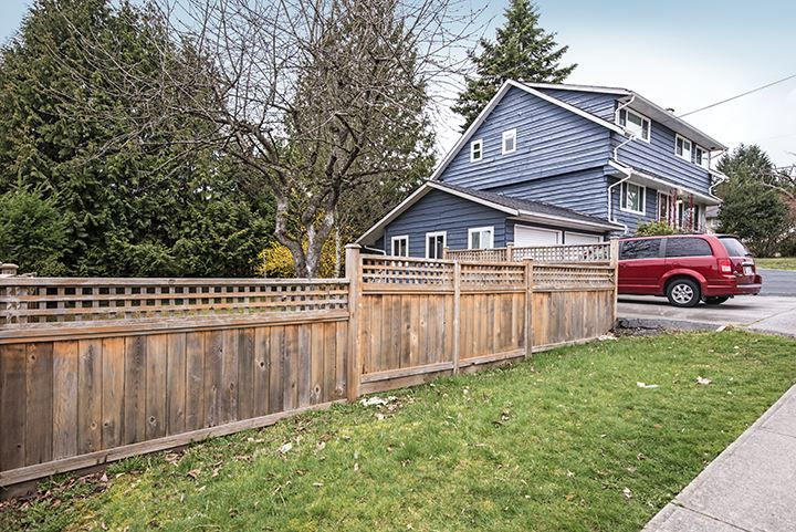 Photo 2: Photos: 686 LINTON Street in Coquitlam: Central Coquitlam House for sale : MLS®# R2047340