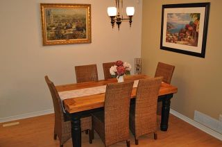 """Photo 3: 106 209 E 6TH Street in North Vancouver: Lower Lonsdale Townhouse for sale in """"Rose Garden Court"""" : MLS®# V909096"""