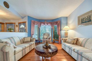 Photo 3: 190 Sandarac Drive NW in Calgary: Sandstone Valley Detached for sale : MLS®# A1146848