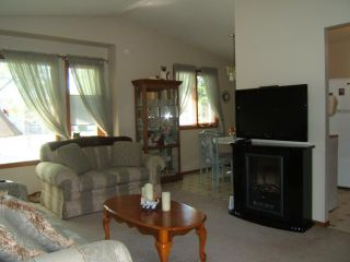 Photo 2: 190 DEVONSHIRE Drive in WINNIPEG: Transcona Residential for sale (North East Winnipeg)  : MLS®# 1110850