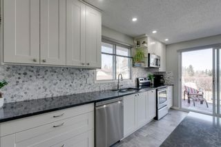 Photo 10: 447 Glamorgan Place SW in Calgary: Glamorgan Detached for sale : MLS®# A1096467