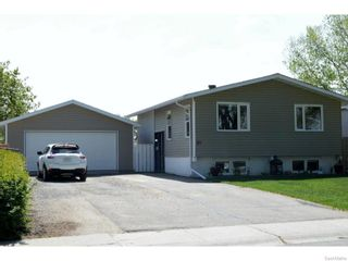 Photo 1: 51 DRYBURGH Crescent in Regina: Walsh Acres Single Family Dwelling for sale (Regina Area 01)  : MLS®# 610600