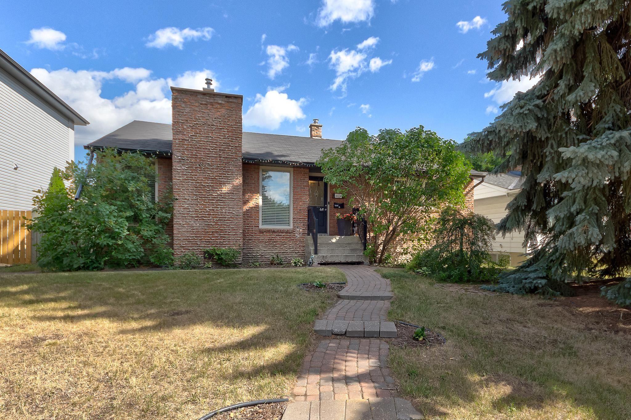 Main Photo: 14224 95 Avenue in Edmonton: Zone 10 House for sale : MLS®# E4259113