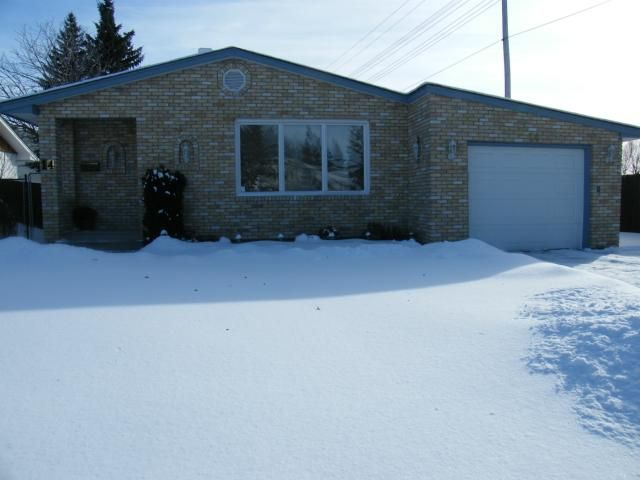 Main Photo: 14 Gadwall Place: Residential for sale : MLS®# 1203088