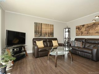 Photo 5: 44 1506 Admirals Rd in VICTORIA: VR Glentana Row/Townhouse for sale (View Royal)  : MLS®# 818183