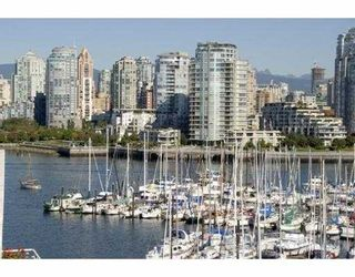 Photo 1: 311 674 LEG IN BOOT Square in Vancouver: False Creek Townhouse for sale (Vancouver West)  : MLS®# V668045