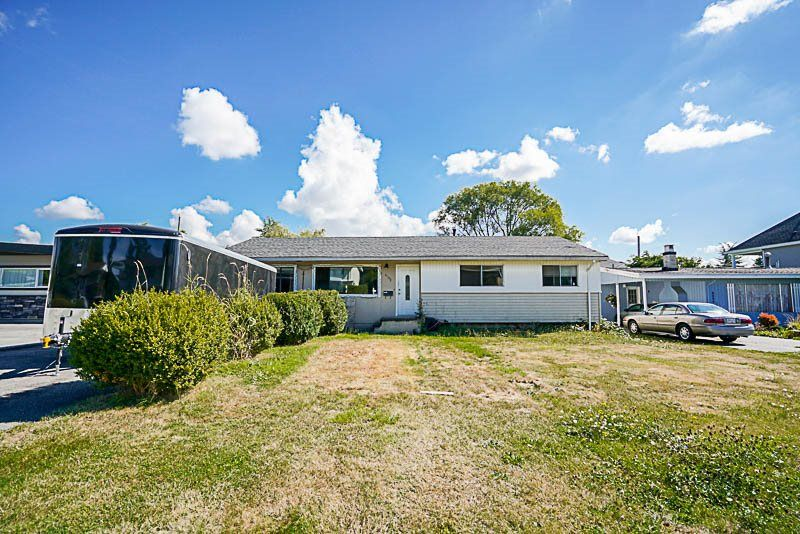 Main Photo: 6102 175a Street: House for sale (Cloverdale)