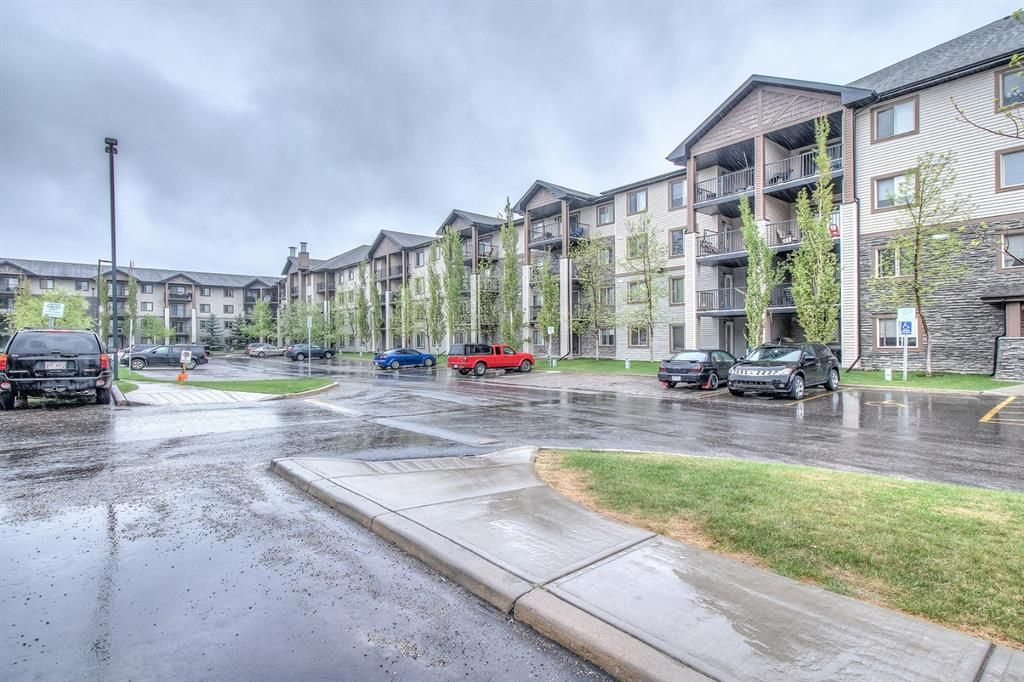 Main Photo: 1323 8 Bridlecrest Drive SW in Calgary: Bridlewood Apartment for sale : MLS®# A1128318