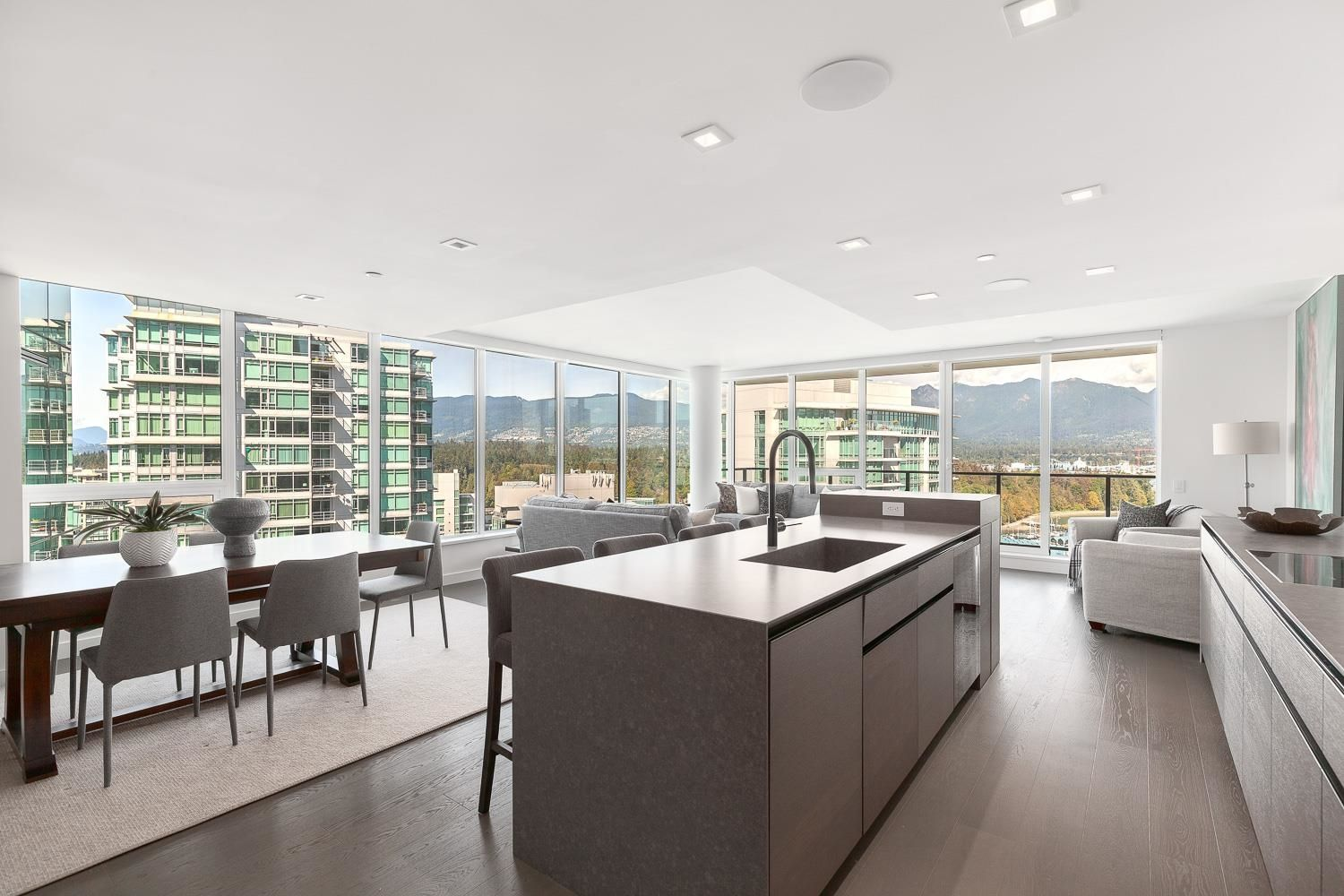 """Main Photo: 2101 620 CARDERO Street in Vancouver: Coal Harbour Condo for sale in """"CARDERO"""" (Vancouver West)  : MLS®# R2620274"""