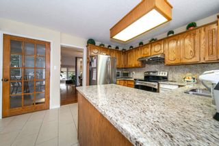 Photo 8: 430 ROONEY Crescent in Edmonton: Zone 14 House for sale : MLS®# E4257850