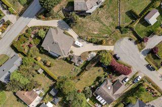 Photo 4: 5123 CHAPMAN Road in Sechelt: Sechelt District House for sale (Sunshine Coast)  : MLS®# R2579043
