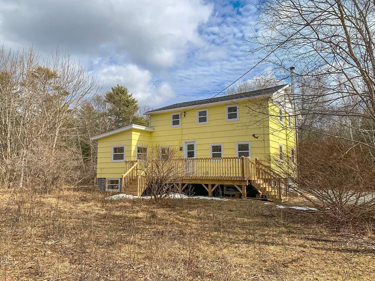 Main Photo: 37 Old Mill Road in Pleasantville: 405-Lunenburg County Residential for sale (South Shore)  : MLS®# 202104394