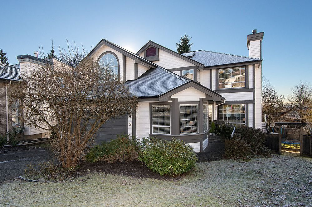 Main Photo: 5 Cedarwood Court in Heritage Woods: Home for sale