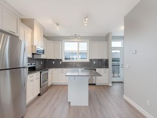Photo 4: 52 SKYVIEW Circle NE in Calgary: Skyview Ranch Row/Townhouse for sale : MLS®# C4197867