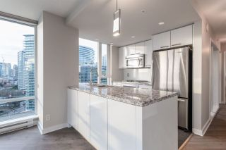 Photo 7: 1906 918 Cooperage Way in Vancouver: Yaletown Condo for sale (Vancouver West)  : MLS®# R2539627