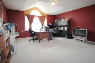 """Photo 17: 20825 43 Avenue in Langley: Brookswood Langley House for sale in """"Cedar Ridge"""" : MLS®# R2160707"""