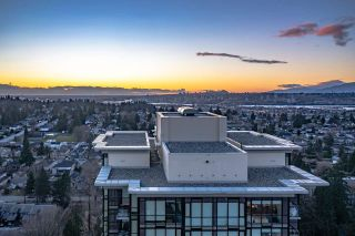 """Photo 28: 2408 10777 UNIVERSITY Drive in Surrey: Whalley Condo for sale in """"City Point"""" (North Surrey)  : MLS®# R2543029"""