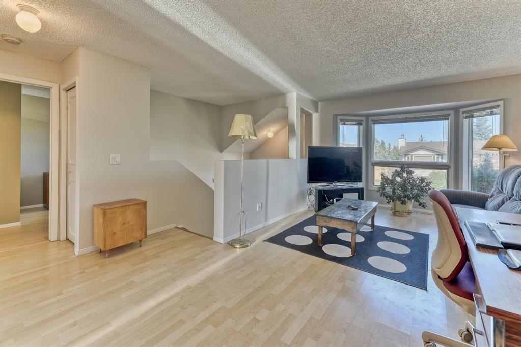 Main Photo: 19 Falshire Close NE in Calgary: Falconridge Detached for sale : MLS®# A1121159