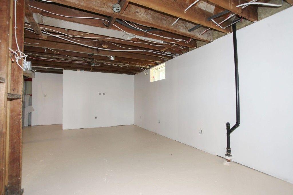Photo 19: Photos: 1088 Sherburn Street in Winnipeg: West End Single Family Detached for sale (West Winnipeg)  : MLS®# 1414577