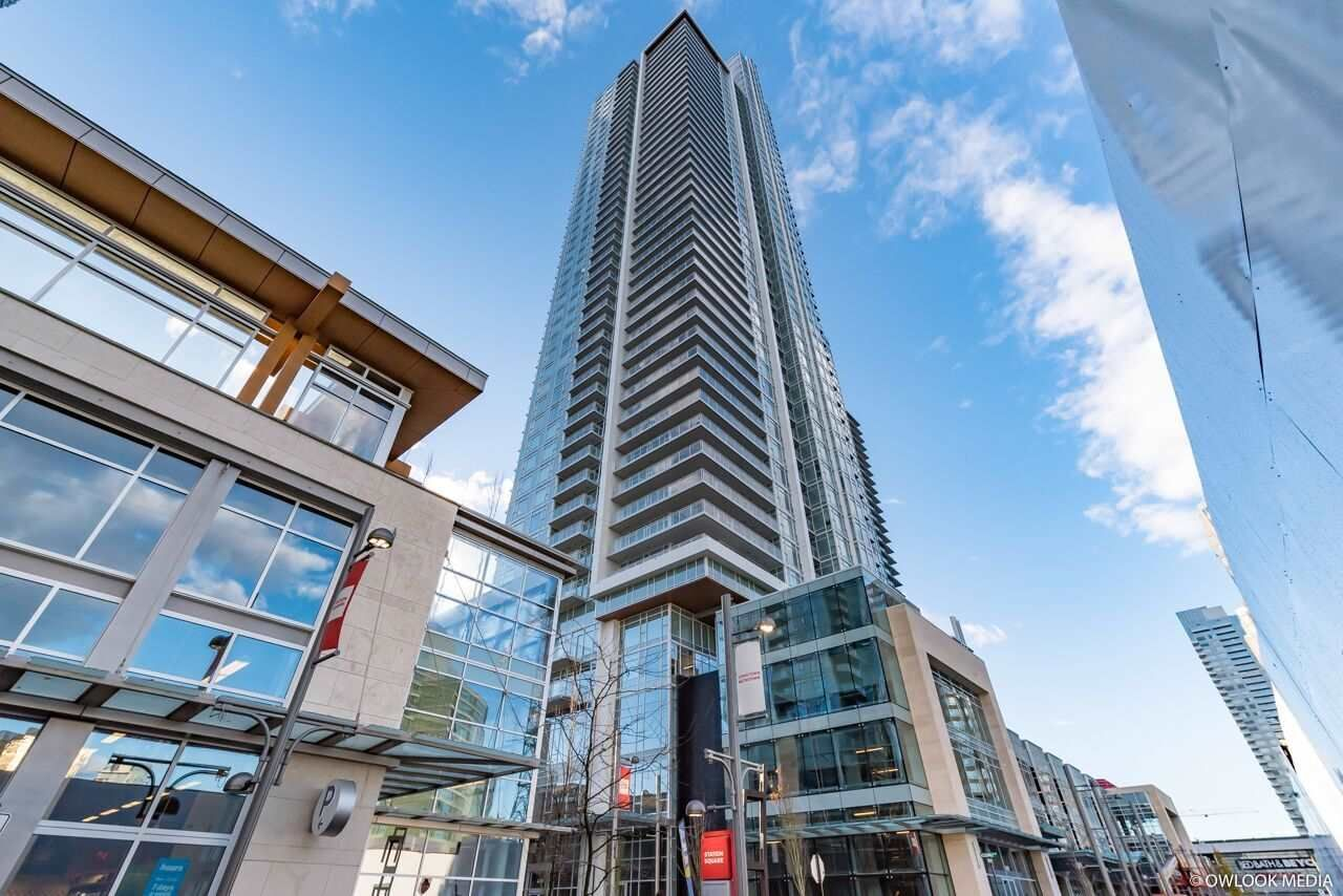 """Main Photo: 1201 4670 ASSEMBLY Way in Burnaby: Metrotown Condo for sale in """"STATION SQUARE II"""" (Burnaby South)  : MLS®# R2319933"""