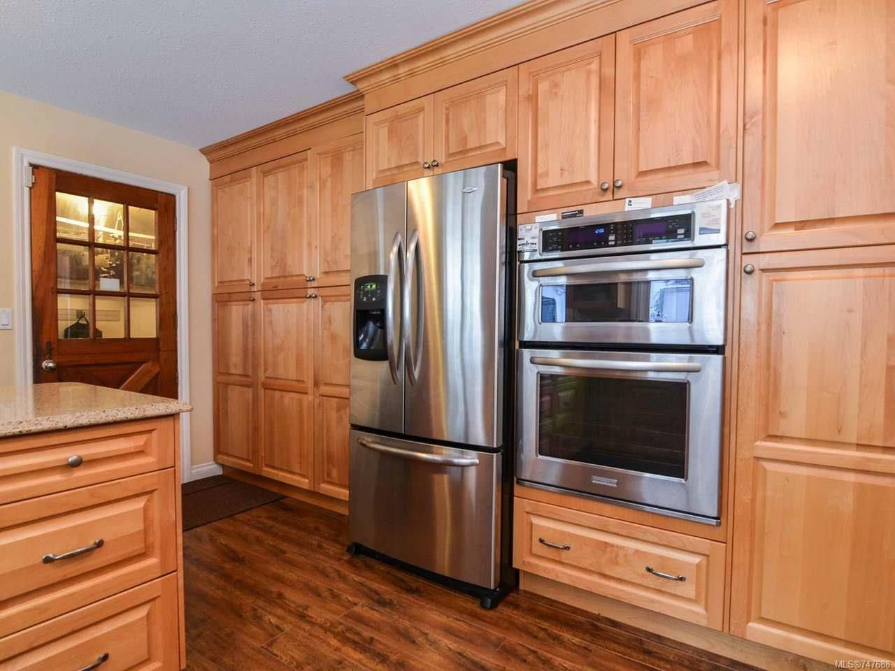 Photo 6: Photos: 228 Crawford Rd in CAMPBELL RIVER: CR Campbell River South House for sale (Campbell River)  : MLS®# 747688
