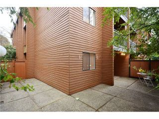 """Photo 10: 104 37 AGNES Street in New Westminster: Downtown NW Condo for sale in """"AGNES COURT"""" : MLS®# V927022"""