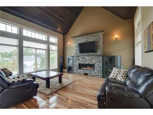 """Photo 2: Photos: 16418 11A Avenue in Surrey: King George Corridor House for sale in """"SOUTH MERIDIAN"""" (South Surrey White Rock)  : MLS®# F1312096"""