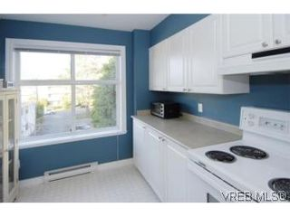Photo 18: 301 1580 Christmas Ave in VICTORIA: SE Mt Tolmie Condo for sale (Saanich East)  : MLS®# 489978