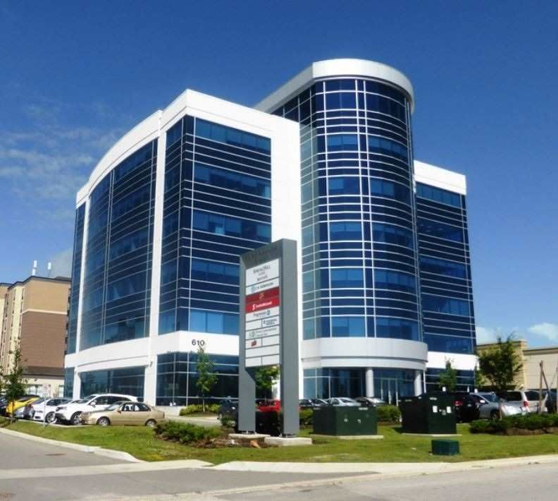 Main Photo: 201 610 Applewood Crescent in Vaughan: Vaughan Corporate Centre Property for lease : MLS®# N5267336
