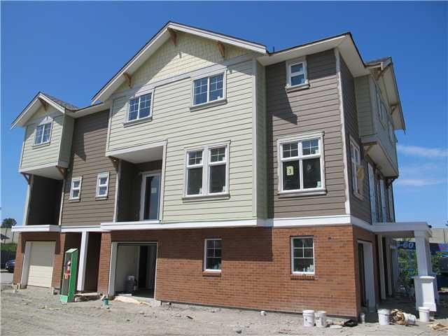"""Main Photo: 2 1135 EWEN Avenue in New Westminster: Queensborough Townhouse for sale in """"ENGLISH MEWS"""" : MLS®# V938135"""