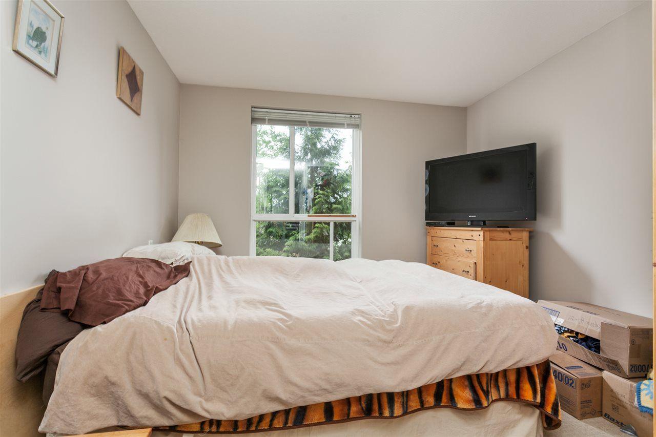"Photo 9: Photos: 108 12075 228 Street in Maple Ridge: East Central Condo for sale in ""RIO"" : MLS®# R2165368"