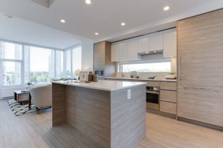 """Photo 11: 1009 13655 FRASER Highway in Surrey: Whalley Condo for sale in """"King George Hub II"""" (North Surrey)  : MLS®# R2625403"""