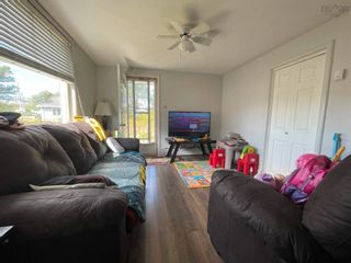 Photo 3: 2 Shaws Lane in Glace Bay: 203-Glace Bay Residential for sale (Cape Breton)  : MLS®# 202124672