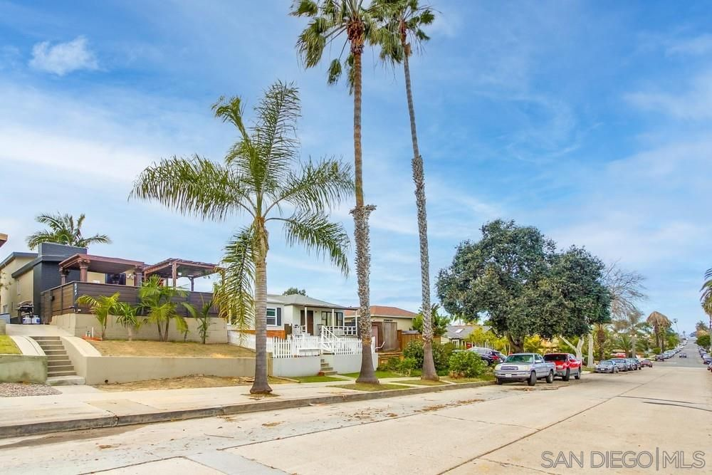 Main Photo: OCEAN BEACH Property for sale: 4747 Del Monte Ave in San Diego