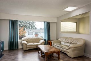 Photo 2: 22918 EAGLE Avenue in Maple Ridge: East Central House for sale : MLS®# R2121887
