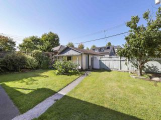 Photo 23: 2815 E 3RD Avenue in Vancouver: Renfrew VE House for sale (Vancouver East)  : MLS®# R2487598