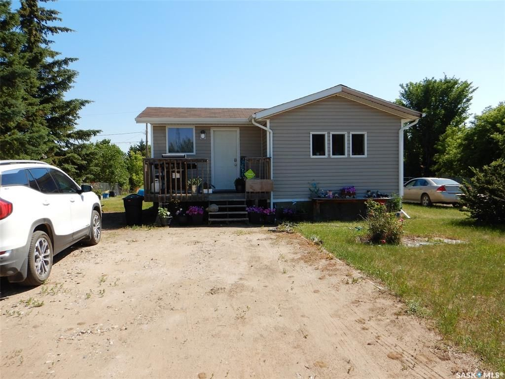 Main Photo: 1001 3rd Avenue in Edam: Residential for sale : MLS®# SK862711