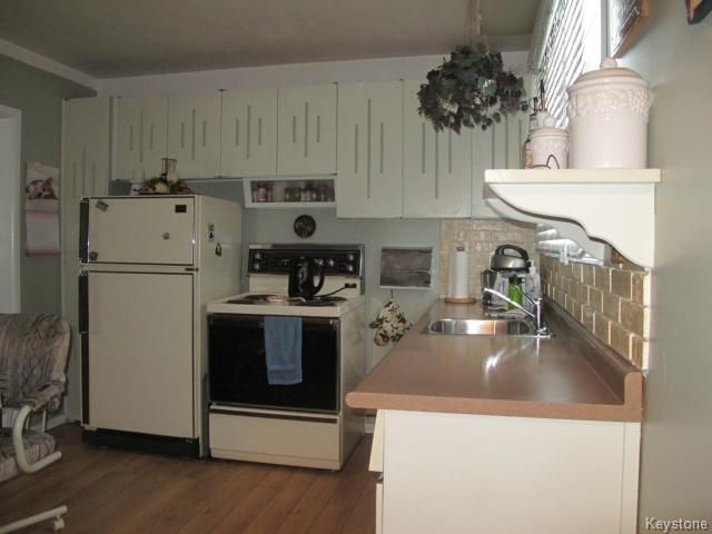 Photo 5: Photos:  in WINNIPEG: Transcona Residential for sale (North East Winnipeg)  : MLS®# 1402119