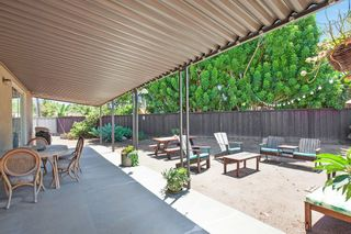 Photo 15: OCEANSIDE House for sale : 3 bedrooms : 1675 Avocado