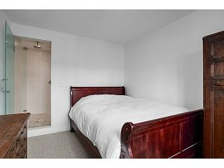 """Photo 4: A&B 120 W 17TH Street in North Vancouver: Central Lonsdale Condo for sale in """"THE OLD COLONOY"""" : MLS®# V1035638"""